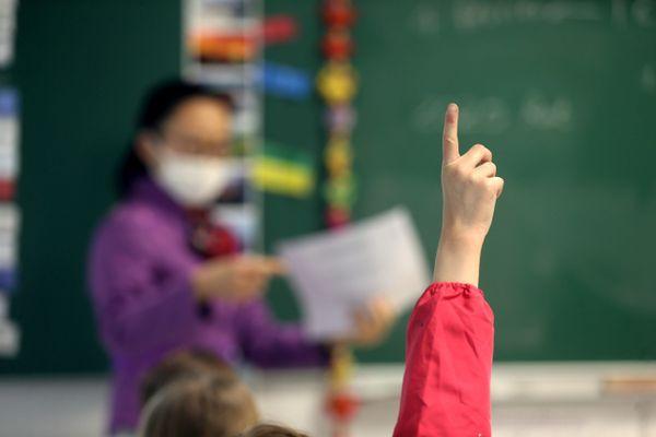 """""""Comment comprendre que des règles sanitaires strictes supplémentaires puissent s'appliquer sur un territoire et ne pas toucher le fonctionnement de l'école ?"""" s'étonne Nicolas Penin, secrétaire régional UNSA"""