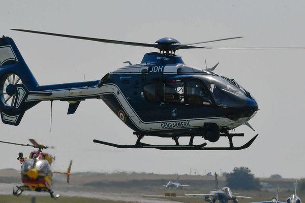 L'hélicoptère bleu de la gendarmerie