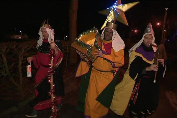 Trois habitants des Flandres perpétuent la tradition ancestrale des Rois mages.