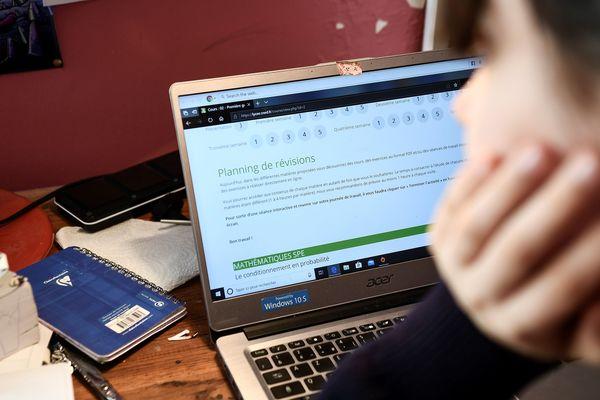 Une centaine d'étudiants de l'université de Grenoble ne sont pas équipés en ordinateur pendant le confinement. (Illustration)