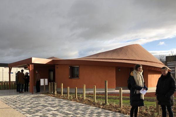 La maison Océanie fait 117 m2 et dispose de 3 chambre et de 2 salles de bain.