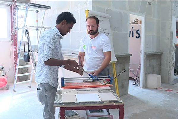 A Chevigny-Saint-Sauveur (Côte-d'Or), l'AFPA organisait une journée découverte des métiers du bâtiments, en mettant en relation des demandeurs d'emploi et des stagiaires en formation dans le secteur du BTP.