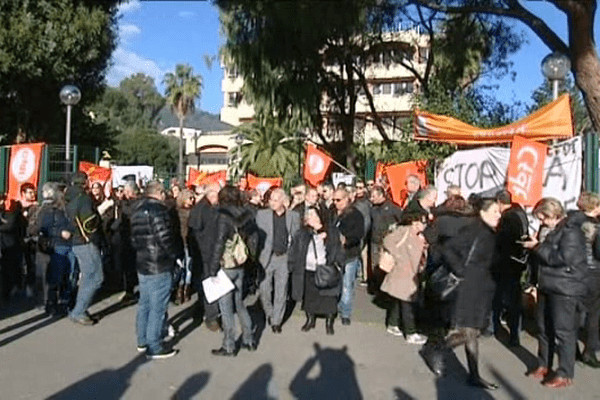 11/12/14 - Grève à l'Urssaf de Corse après une tentative de suicide