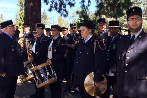 La batterie fanfare des sapeurs-pompiers du Doubs a chanté la Marseillaise.