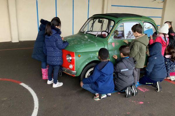 """Fiat 500 """"Tableau d'école"""" à l'école maternelle et élémentaire Lucie Aubrac, du 3 au 7 février 2020"""