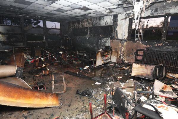 L'école Hachette de Lille a été en partie incendiée jeudi 22 avril 2021 dans la soirée.
