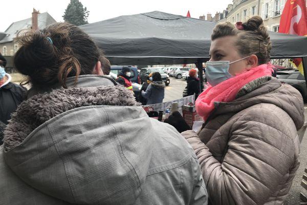 Noémie Chollet est aide à domicile à Noyers-sur-Cher dans le Loir-et-Cher.