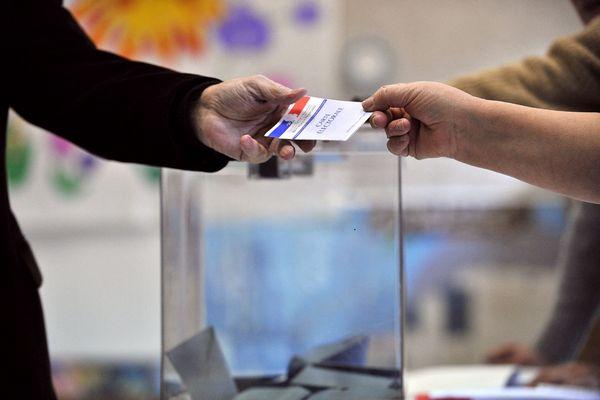 Premier tour des élections départementales dans le Val-D'Oise