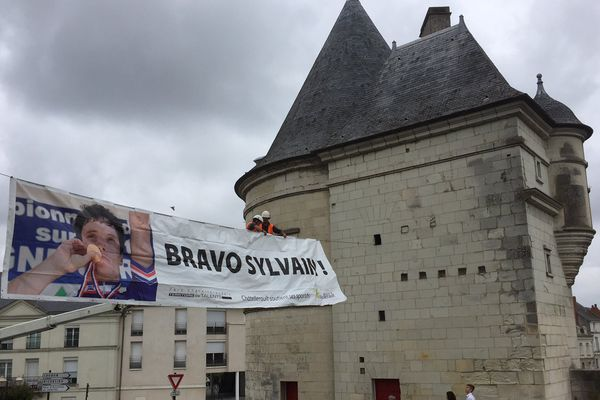 Châtellerault se prépare à rendre hommage à l'enfant du pays.