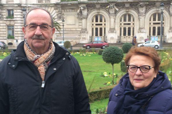 Pierre Texier Josette Blanchet sont conseillers municipaux communistes à Tours.