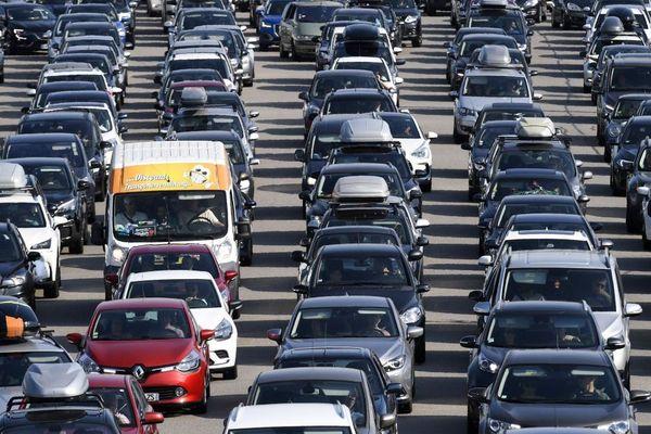 Il y a beaucoup de monde sur les routes pour les vacances