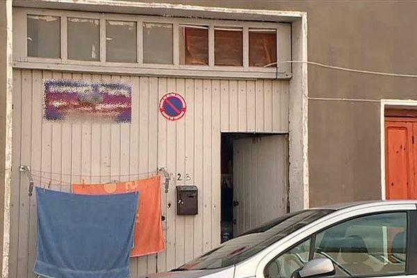 Saint-Gilles (Gard) - 450 euros par mois pour vivre dans un garage insalubre - septembre 2018.