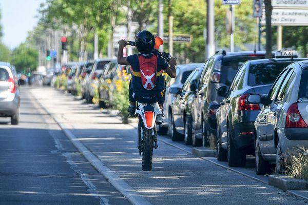A Grenoble, de nombreux habitants alertent sur les rodéos urbains qui se feraient de plus en plus nombreux. (Illustration)