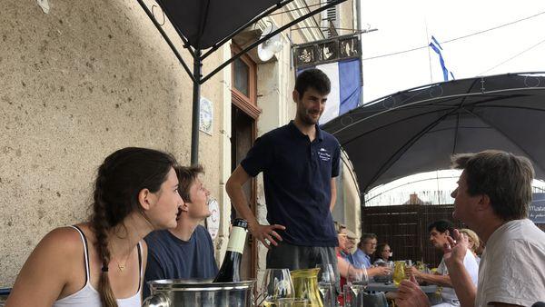 En dégustant ses poissons de Loire, les clients sont plus réceptifs à la culture ligérienne des poissons d'eau douce