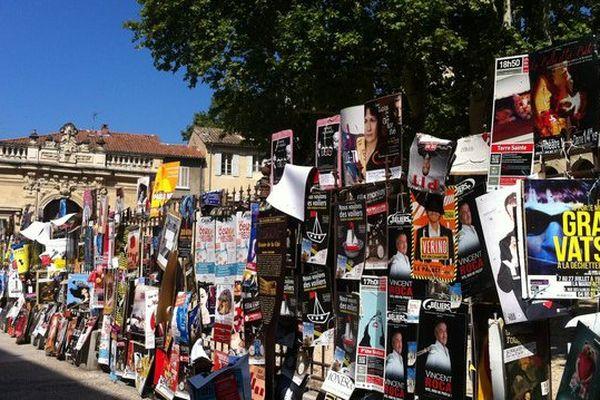 Les affiches, témoignage de la vitalité de la création théâtrale au Festival d'Avignon
