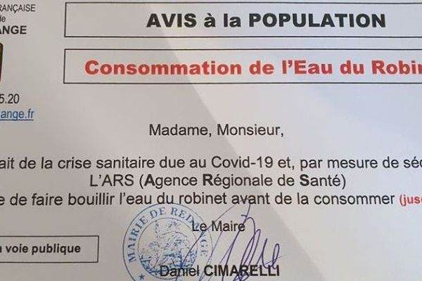 Ce tract d'information peut prêter à confusion : il n'y a pas de contamination du coronavirus par l'eau.