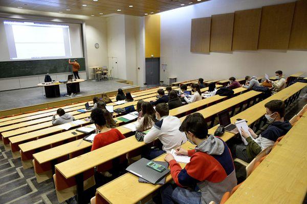 Des aides pour les étudiants annoncées par la Métropole de Lyon
