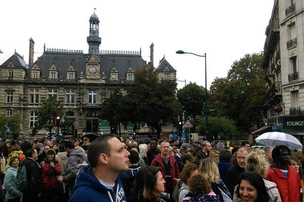 Plusieurs centaines de personnes ont participé à une marche blanche en l'honneur de Catherine Renon