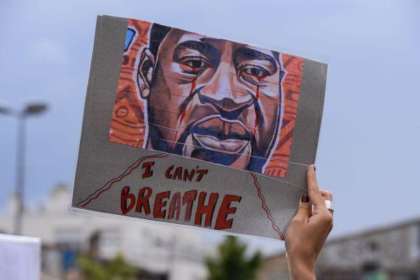 Manifestation contre le racisme et les violences policières, à Bordeaux, le 9 juin 2020