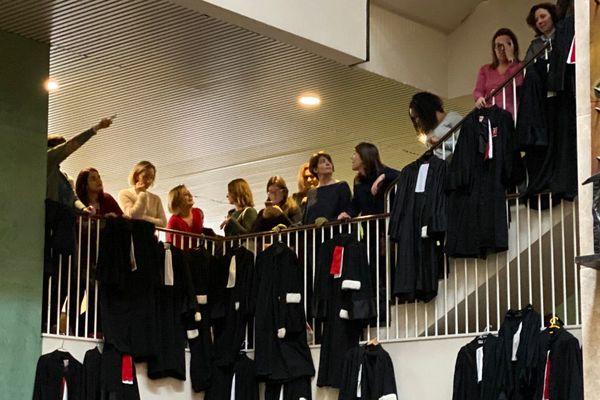 Les avocats du Barreau de Lyon en grève ... (13/1/20)