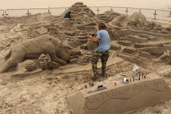 Les sculptures sur sable réalisées sur la plage de la Grande Conche à Royan (17)