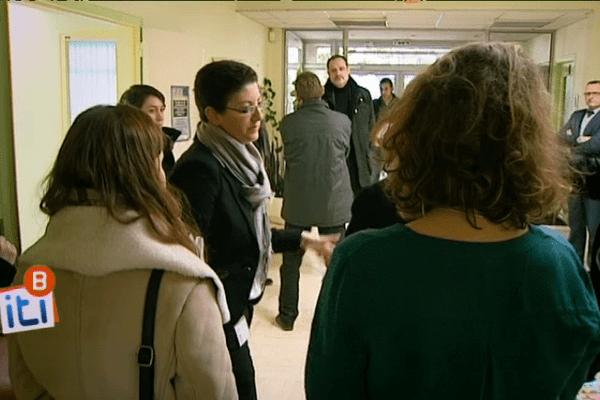 Frédérique Camilleri, sous-préfète et directrice de cabinet du Préfet de Bretagne et d'Ille-et-Vilaine, effectue une visite de reconnaissance avant la visite de la ministre, Laurence Rossignol.