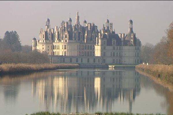 Le château de Chambord dans la brume