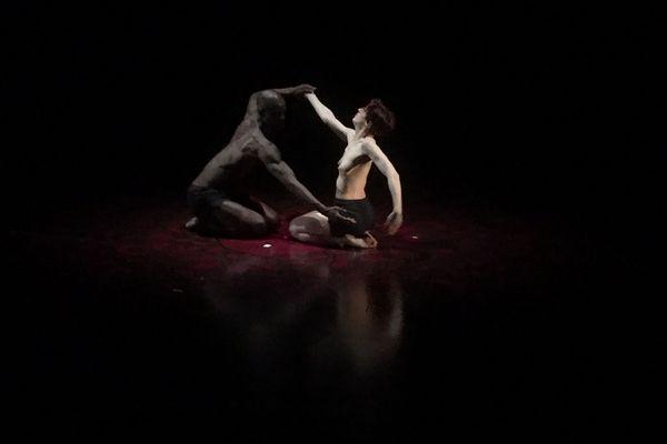 Image du spectacle « Tout doit disparaître » de Philippe Decouflé au Théâtre national de Chaillot à Paris.