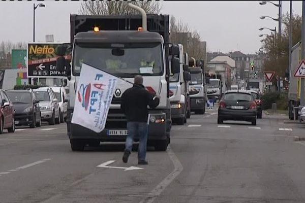 Les camions poubelles défilent dans les rues de Saint-Quentin