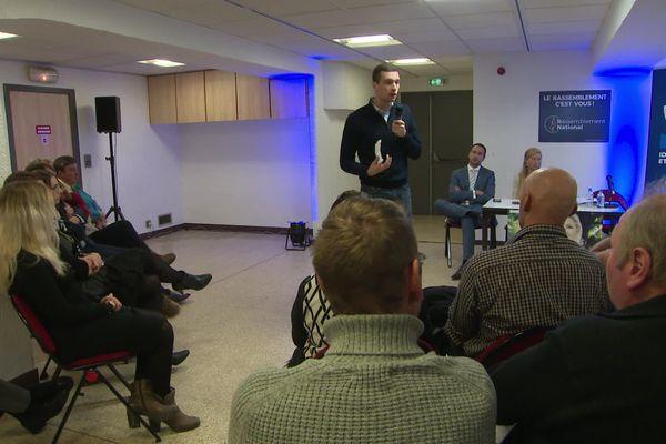 Le vice-président du RN Jordan Bardella était à Saint-Jean-de-Maurienne pour soutenir la candidate du parti aux municipales.