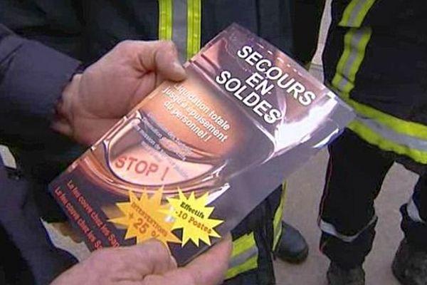 Les pompiers de Côte-d'Or protestent contre la diminution des moyens financiers et le manque d'effectifs pour assurer leurs missions de secours.