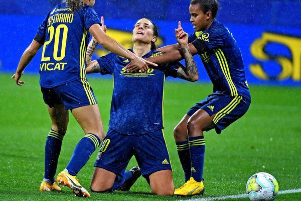 Les joueuses de l'OL, Dzsenifer Marozsan, Salma Bacha et Delphine Cascarino, espèrent bien renouer avec la victoire face au PSG, lors du quart de finale aller de la Ligue des Champions Féminine, ce 23 mars 2021, au Parc des Princes.