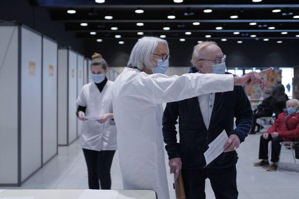 Au centre Jean-Prouvé, le maire de Nancy, Mathieu Klein envisage de créer un vaccinodrome.
