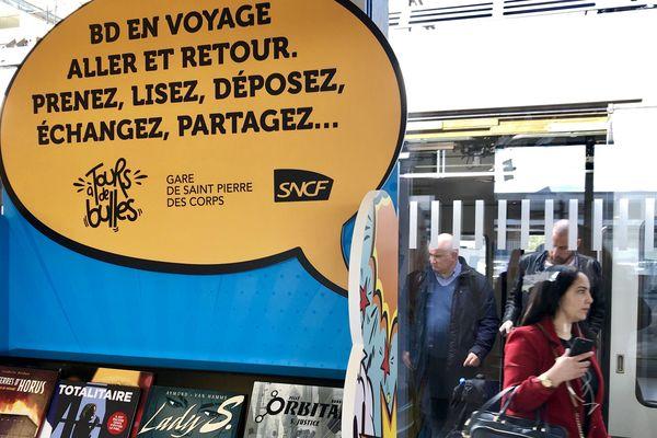"""la """"Boîte à BD"""" Espace Détente quai numéro 2 de la gare de Saint-Pierre-des-Corps"""