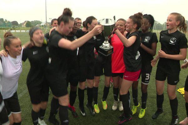 Les footballeuses du club athleti'caux ont remporté début juin la coupe en catégorie U16