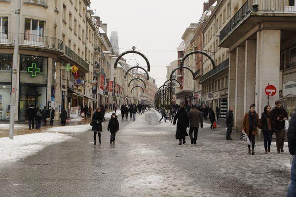 Les températures resteront négatives ce week-end : l'occasion d'acheter un manteau ?