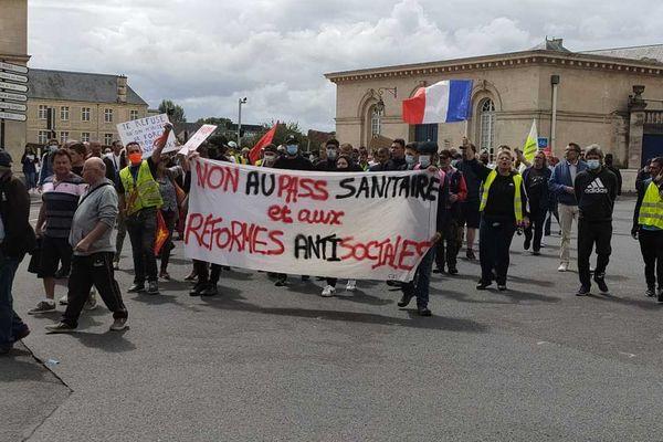 Près de 5000 personnes mobilisées à Caen contre le Passe sanitaire.