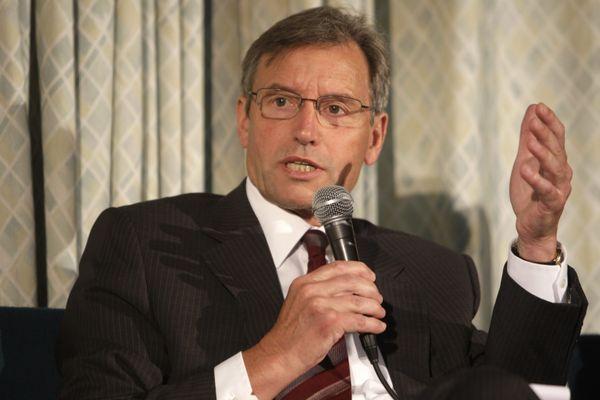 Le sénateur (LR) de la Marne, René-Paul Savary, médecin généraliste à la retraite, est vice-président de la commission d'enquête du Sénat sur la gestion de la crise sanitaire.