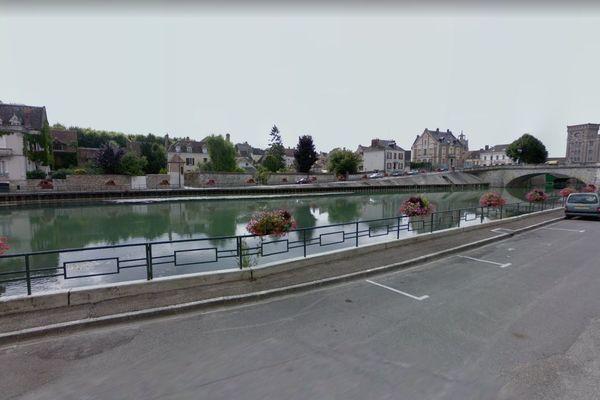 Vue depuis la rue de l'île Olive à Nogent-sur-Seine © Google Maps