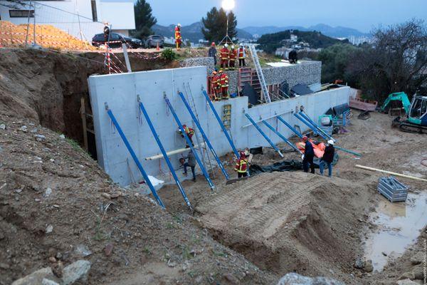 L'ouvrier de 56 ans est resté enseveli derrière un bloc de béton