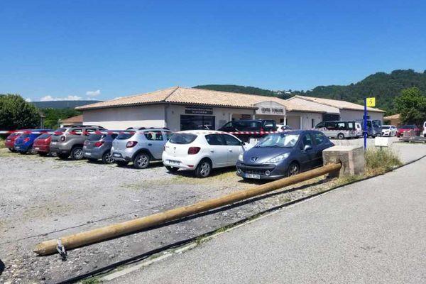 La chute de 5 poteaux électriques dans la zone du Faisceau Sud en Ardèche a privé de courant plusieurs entreprises ainsi qu'un groupe scolaire.