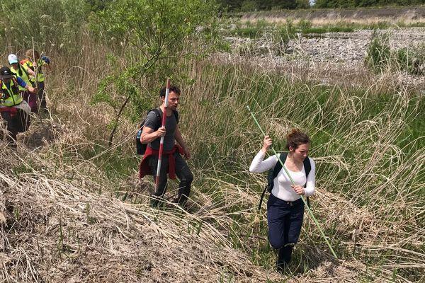 Le frère et la soeur de Tiphaine Véron accompagnés par les experts de Mountain Medic Events ont repris les recherches autour de Nikko.