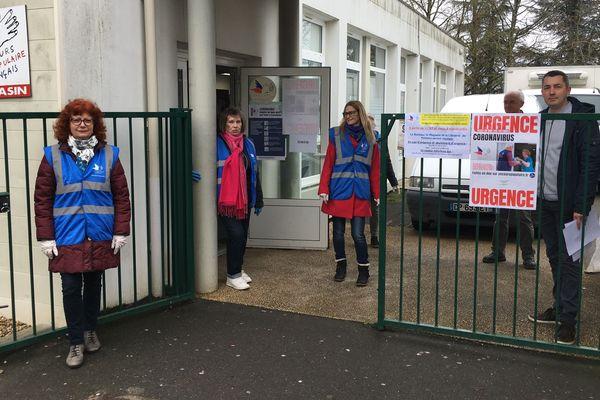Les bénévoles Secours Populaire à Poitiers