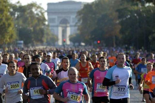 Les 20 km de Paris, le départ est prévu dimanche 12 octobre au pied de la Tour Eiffel.