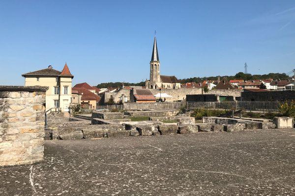 Le site de la forteresse de Châtel-sur-Moselle, dans les Vosges.