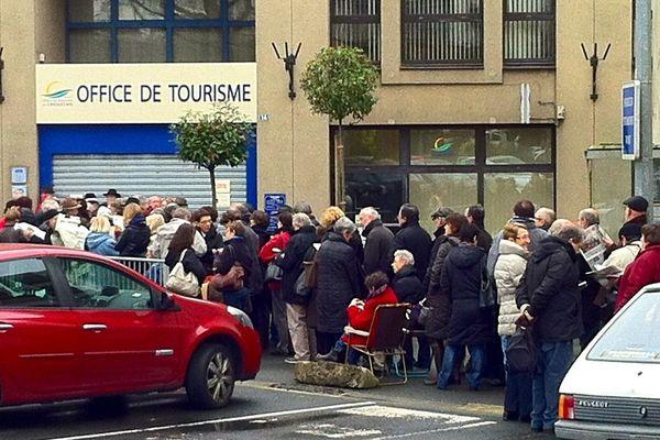 L'attente, la foule à Cholet pour l'ouverture de la billetterie de la folle journée