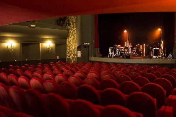 Le Trianon vidé de ses spectateurs et de ses artistes