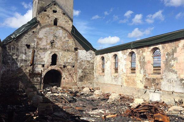 Un incendie a détruit août 2018 l'église de Villeneuve d'Amont, près de Levier, dans le Haut-Doubs.