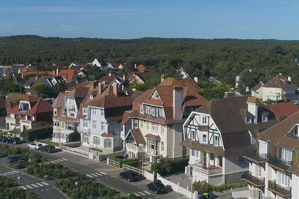 Les maisons cossues de la station balnéaire Neufchâtel-Hardelot.