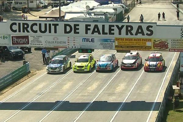 Une centaine de pilotes étaient réunis pour ce Rallycross exceptionnel.
